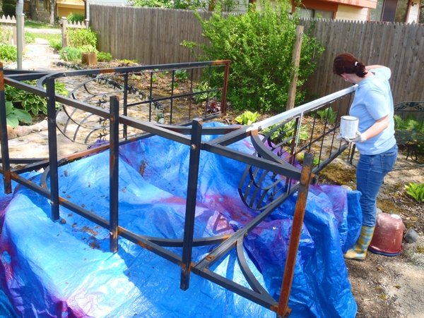 Recycling a Metal Arbor Primer