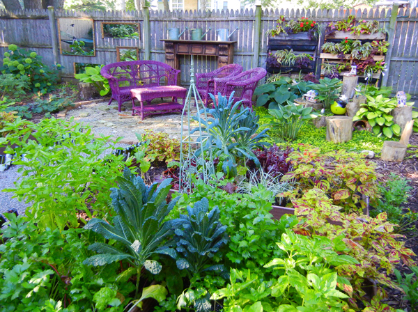 Shade garden design technique vegetable color blocking shawna coronado Kitchen garden design australia