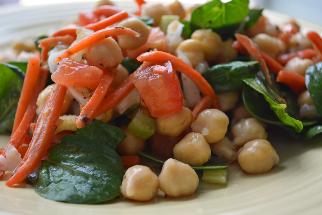 10 Minute Chickpea Salad Recipe – Vegetarian, Flavorful, and Healthy!