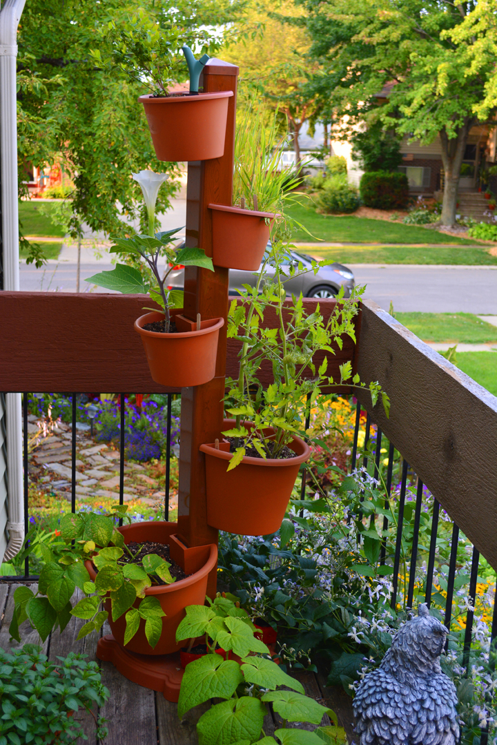 How to plant a garden post vertical garden shawna coronado for Balcony vertical garden