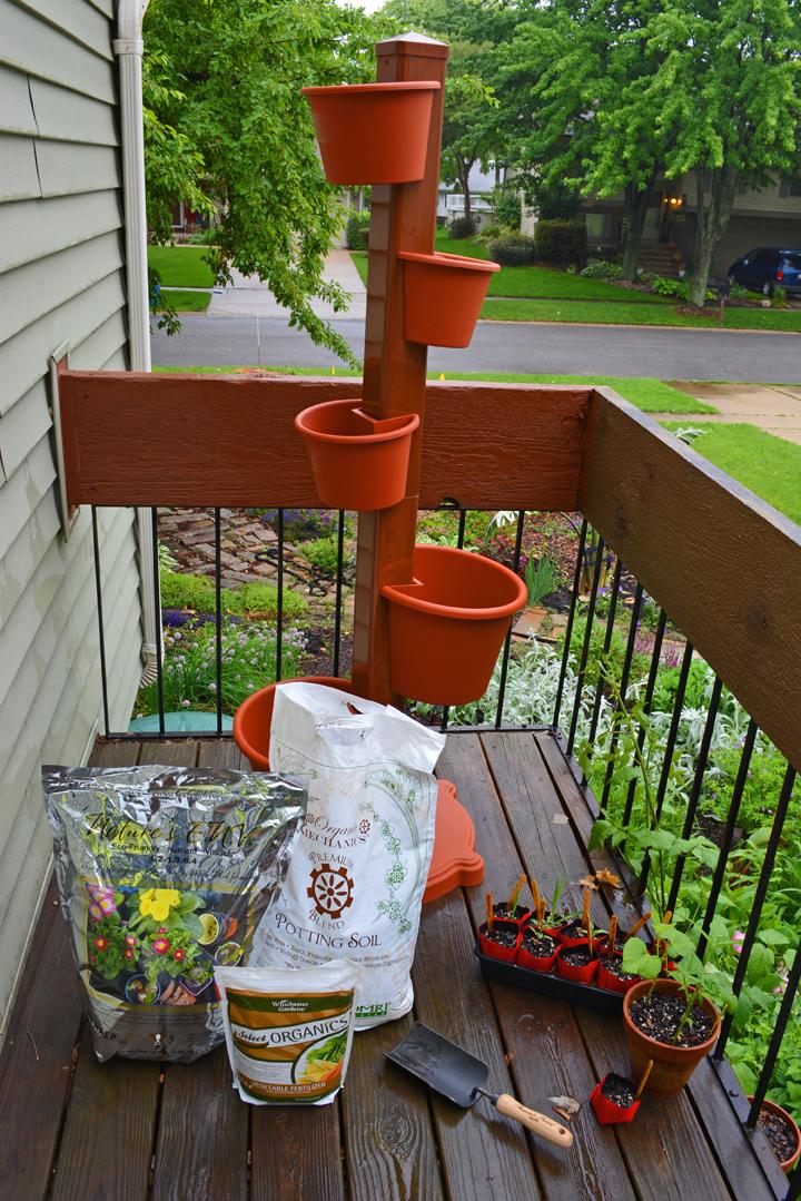Garden Post Vertical Garden with Soil