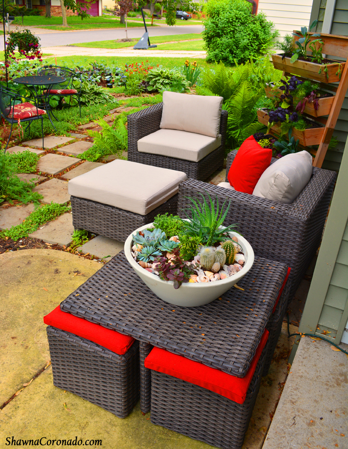 Spectacular Front Patio Garden Makeover with Cafe Table