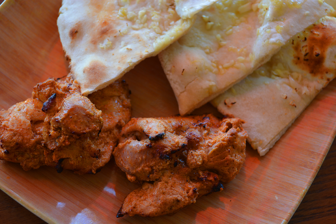 OMango chicken and garlic naan