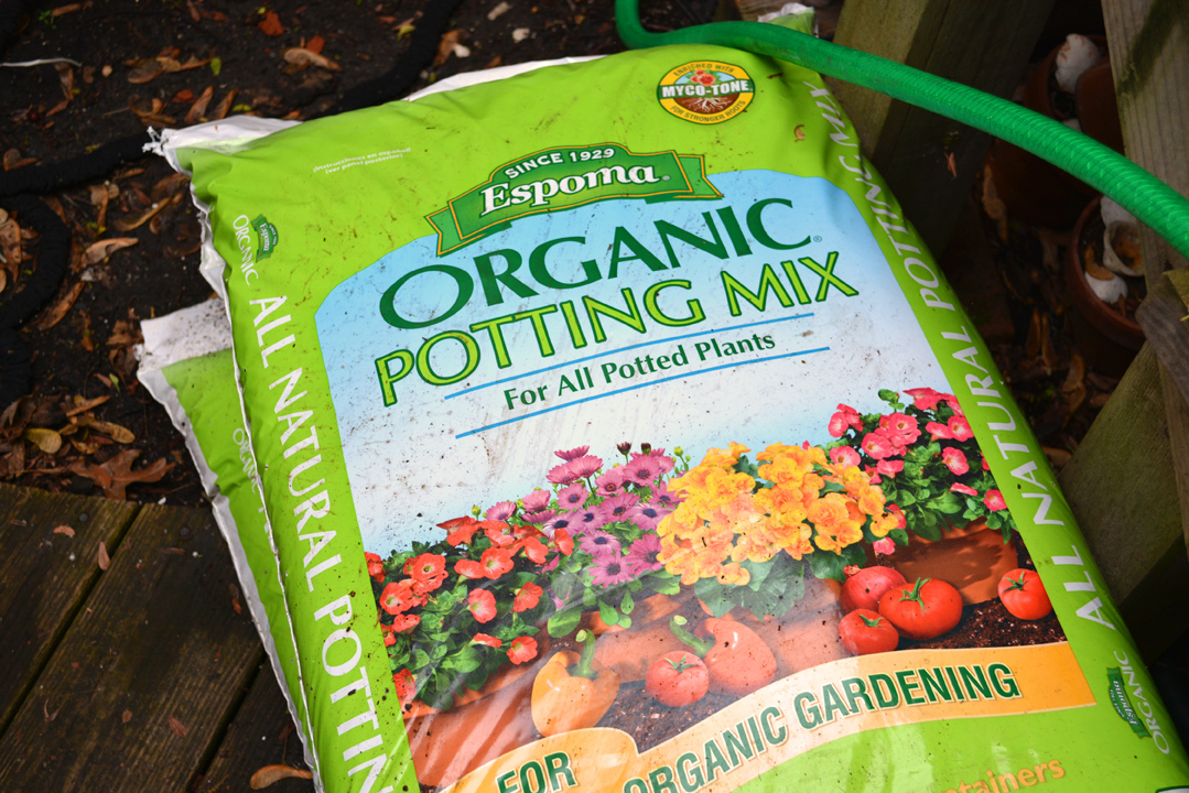 Garden Tower Espoma Organic Fertilizer