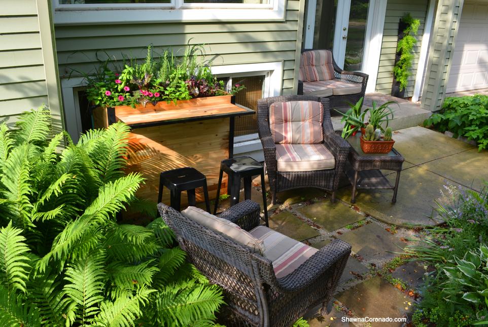 A Garden Bar