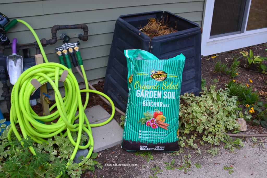 Kellogg Garden Soil Biochar Max Compost Bin