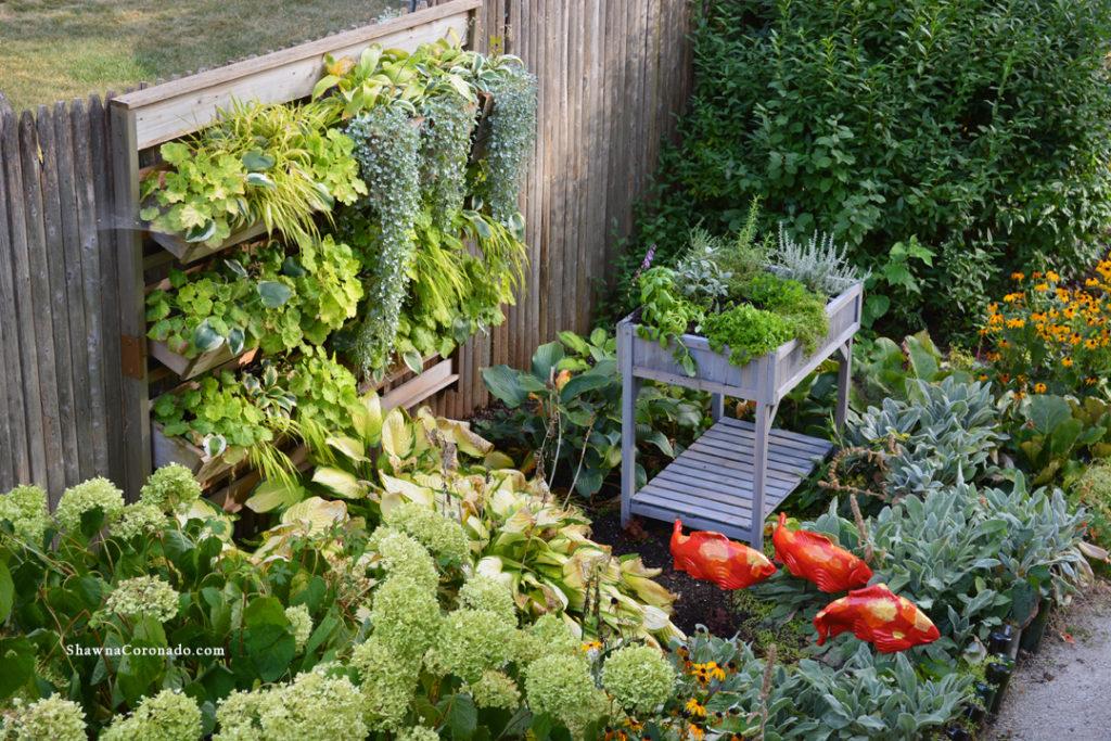 VegTrug Herb Garden Silver and Chartreuse